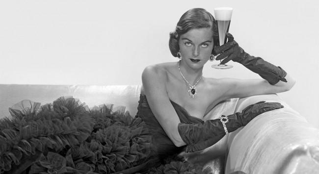 custom-Custom_Size___54ac91e1a4b85_-_elle-27-vintage-women-drinking