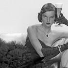 vintage-women-drinking