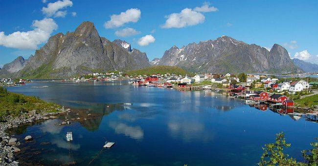 Norway - Reine, Lofoten, melenama, (CC BY-SA 2.0)