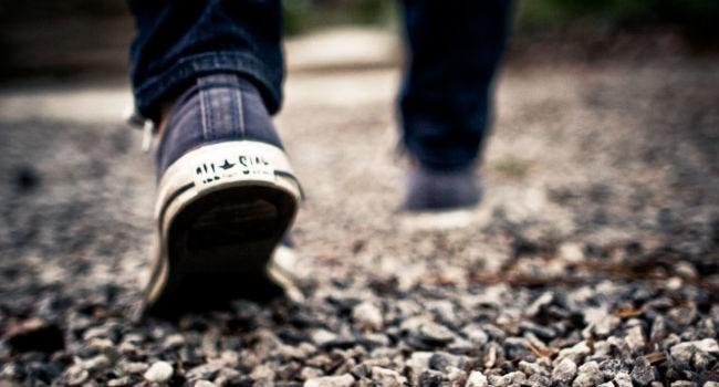 public-domain-images-free-stock-photos-shoes-walking-feet-grey-gravel--1000x666